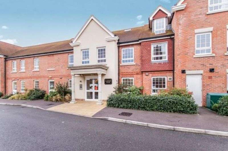 1 Bedroom Flat for sale in Claridge House, 14 Church Street, Littlehampton. BN17 5FE