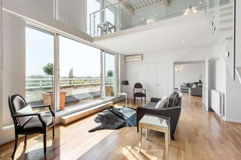 3 Bedrooms Apartment Flat for sale in Regatta Point, Kew Bridge Road, TW8