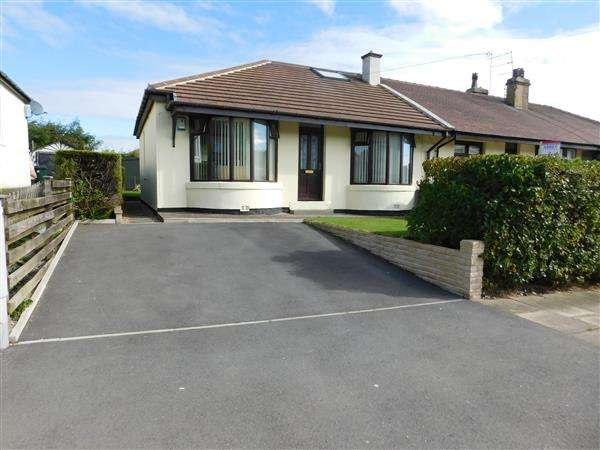 3 Bedrooms Semi Detached Bungalow for sale in Carrbottom Road, Bradford