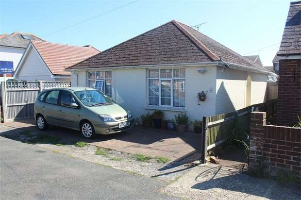 2 Bedrooms Detached Bungalow for sale in Gilham Grove, Deal, Kent