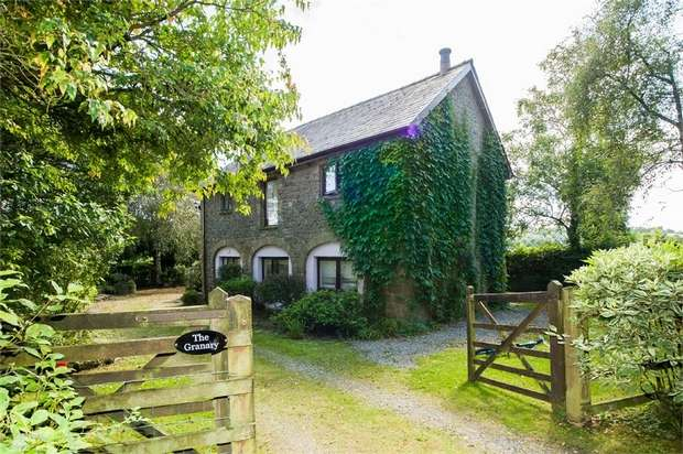 2 Bedrooms Cottage House for sale in Taliaris, Llandeilo, Carmarthenshire