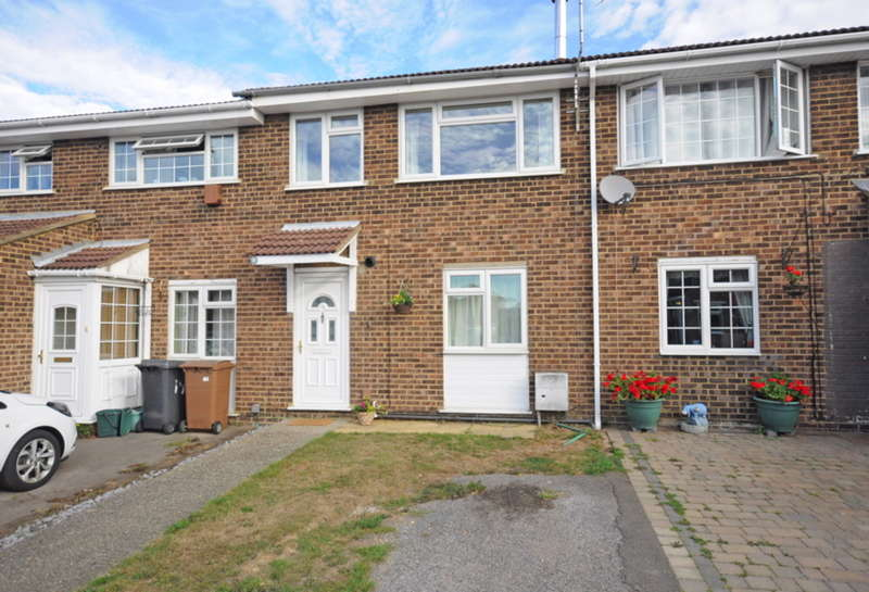 3 Bedrooms Terraced House for sale in Marigold Close, North Springfield, Chelmsford, CM1