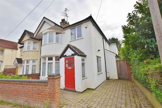 3 Bedrooms Semi Detached House for sale in Aldenham Road, BUSHEY, Hertfordshire
