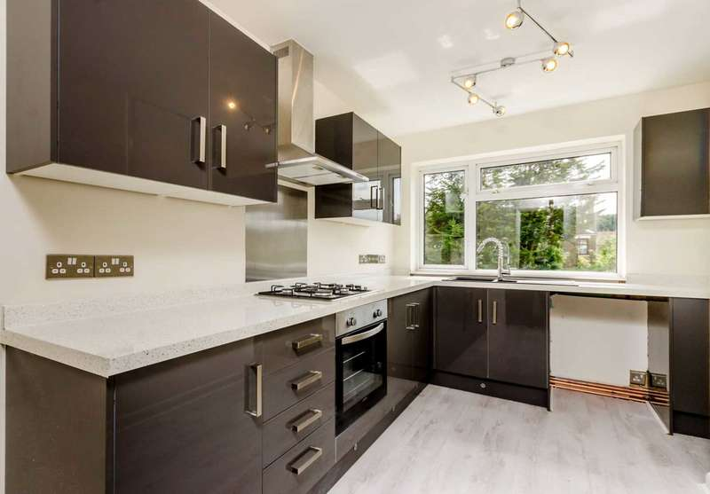 2 Bedrooms Maisonette Flat for sale in Burlington Road, Thornton Heath