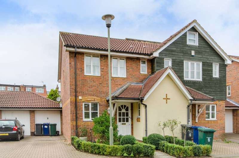 3 Bedrooms House for sale in Boxworth Close, North Finchley, N12