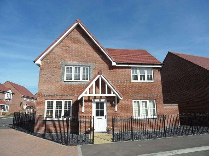 4 Bedrooms Detached House for sale in Ockenden Road, Kingley Gate, Littlehampton
