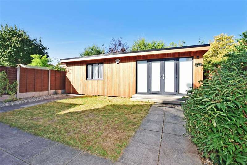 4 Bedrooms Detached House for sale in Milton Avenue, Langdon Hills, Basildon, Essex