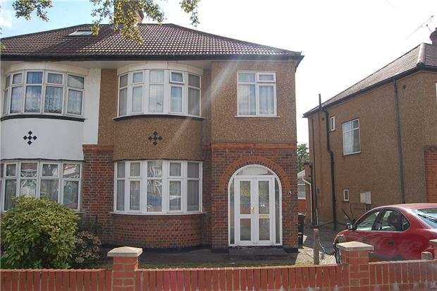 3 Bedrooms Semi Detached House for sale in Silkfield Road, COLINDALE, NW9 6QT