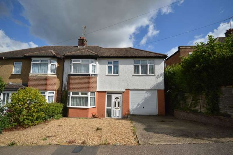 4 Bedrooms Semi Detached House for sale in Coombe Road, Bushey, WD23
