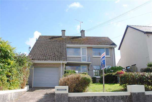 3 Bedrooms Detached House for sale in Rotherslade, Holyland Road