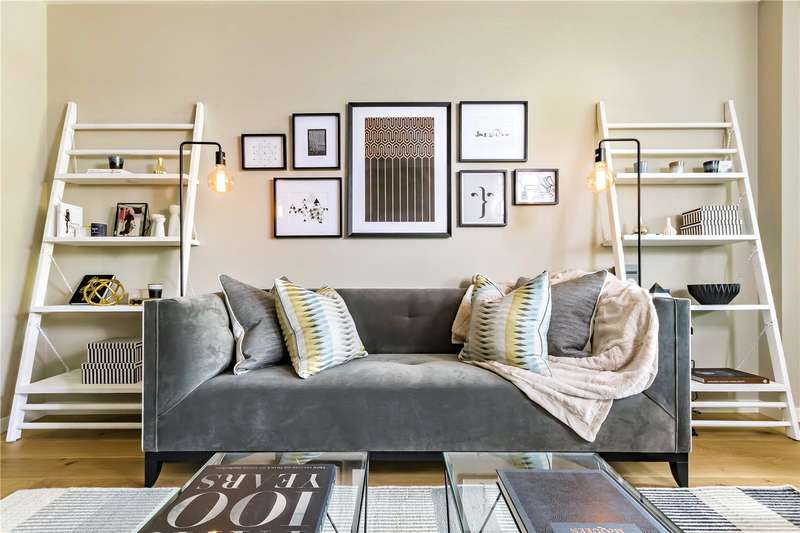 2 Bedrooms Flat for sale in Camberwell On The Green, Camberwell Green, SE5