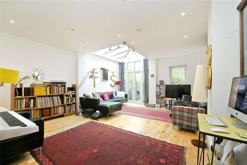 4 Bedrooms Terraced House for sale in Groombridge Road, South Hackney, E9
