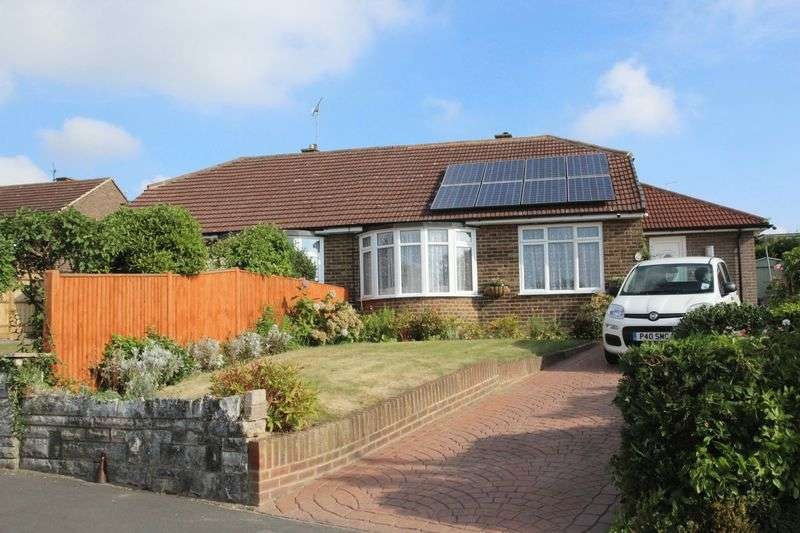 2 Bedrooms Semi Detached Bungalow for sale in Pen Way, Tonbridge