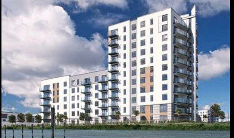 2 Bedrooms Flat for sale in Peninsula Quay, Victory Pier, Pearl Lane, Gillingham