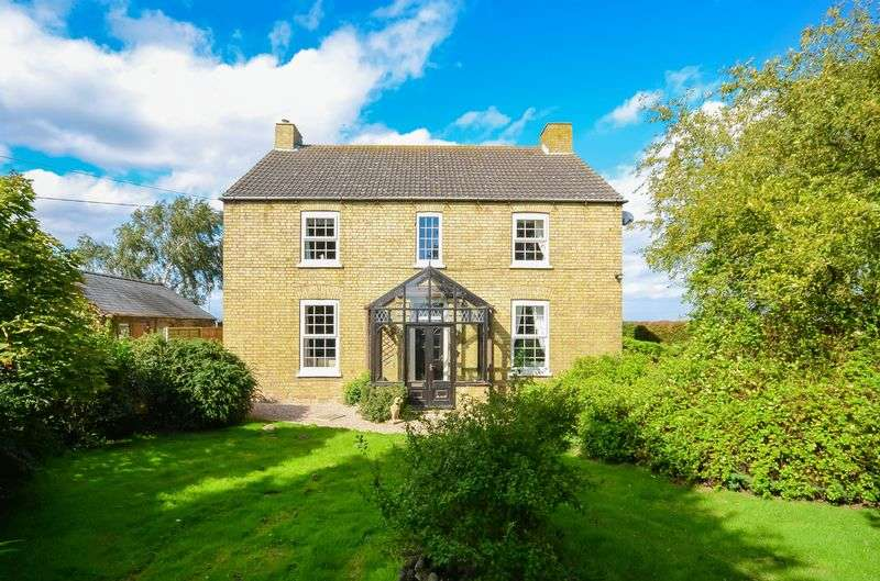 4 Bedrooms Detached House for sale in The Poplars, Swinthorpe, Lincoln