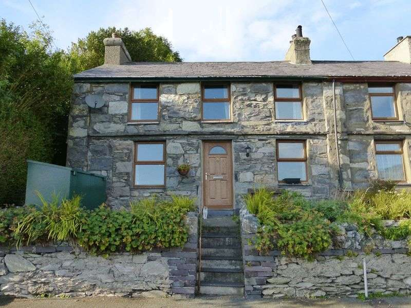 2 Bedrooms Terraced House for sale in Talysarn
