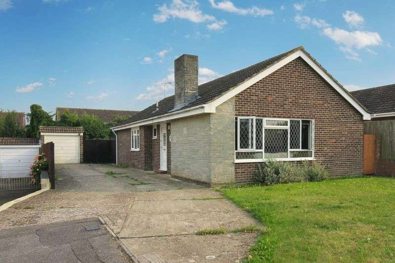 3 Bedrooms Detached Bungalow for sale in Burcot Gardens, Maidenhead