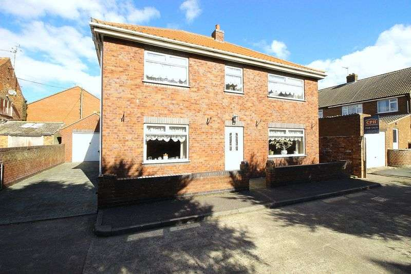 3 Bedrooms Detached House for sale in Granville Road, Filey