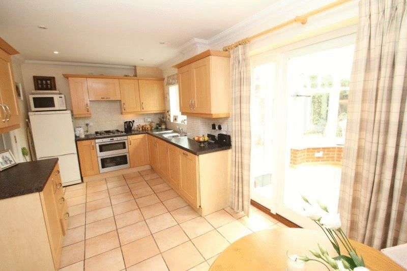 4 Bedrooms House for sale in Bromedale Avenue, Mulbarton, Norwich