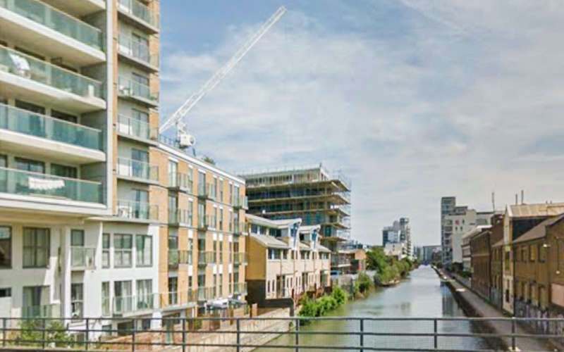 2 Bedrooms Flat for sale in Artisan Place, Canary Gateway, Limehouse