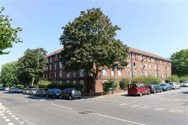 1 Bedroom Apartment Flat for sale in Barville Close, Brockley