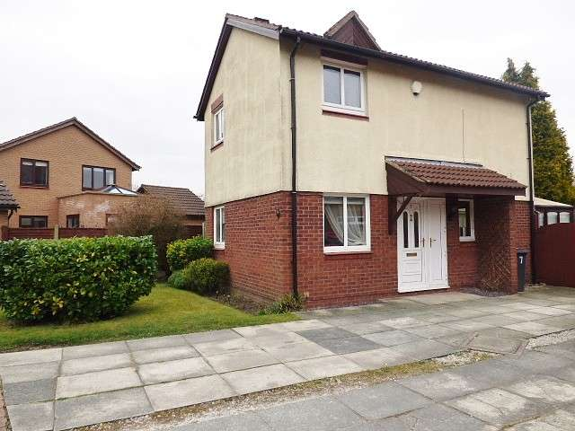 3 Bedrooms Detached House for sale in Corwen Close, Callands, Warrington