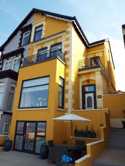 6 Bedrooms Semi Detached House for sale in North Promenade, Blackpool, Lancashire, FY1