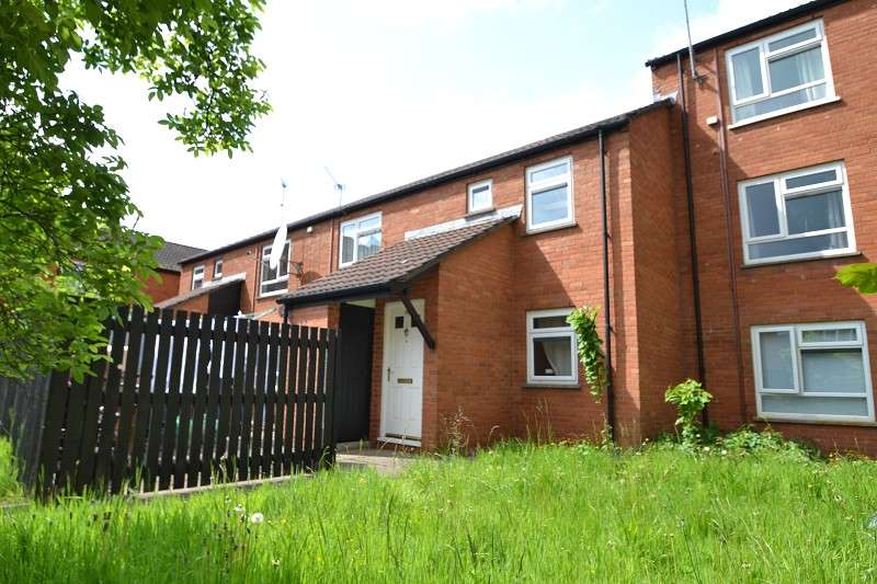2 Bedrooms Maisonette Flat for sale in Daviot Street, Roath, Cardiff. CF24 4SQ