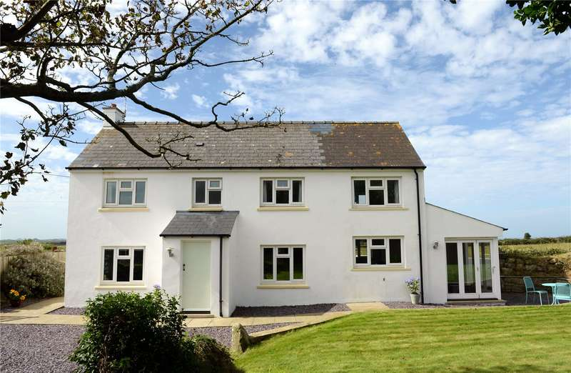 3 Bedrooms Detached House for sale in Dan-Y-Garn, Rhodiad, St. Davids, Haverfordwest