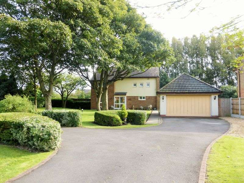 4 Bedrooms Detached House for sale in Oakford Close, Banks, Southport