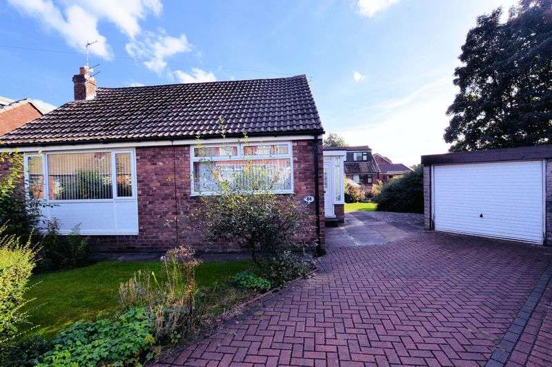 2 Bedrooms Detached Bungalow for sale in Cornwall Drive, Bury