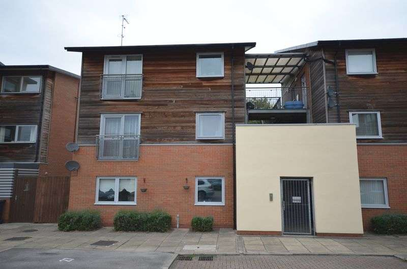 2 Bedrooms Flat for sale in Waterbridge Mews, Castlefields