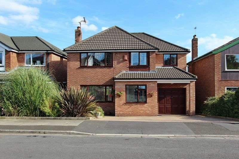 4 Bedrooms Detached House for sale in Linksway Drive, Unsworth, Bury