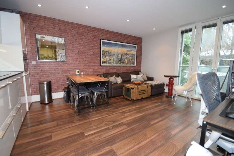 1 Bedroom Flat for sale in Bishops Square, London, London, E1