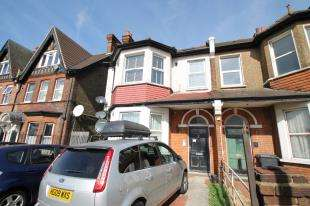 3 Bedrooms Flat for sale in Duppas Hill Road, Croydon, Surrey, .