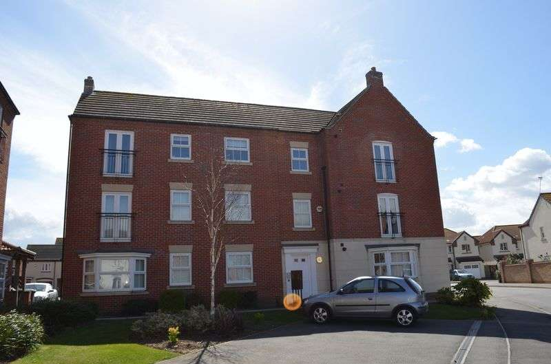 2 Bedrooms Flat for sale in Greenfinch Crescent, Witham St Hughs, Lincoln