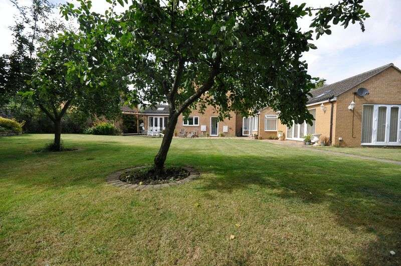 4 Bedrooms Detached House for sale in Kidmans Close, Hilton