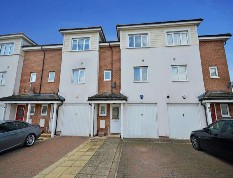 3 Bedrooms Property for sale in Observer Drive, Watford, WD18