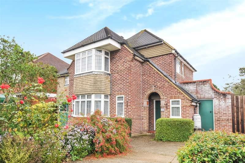 4 Bedrooms House for sale in Meadway Gardens, Ruislip, Middlesex, HA4