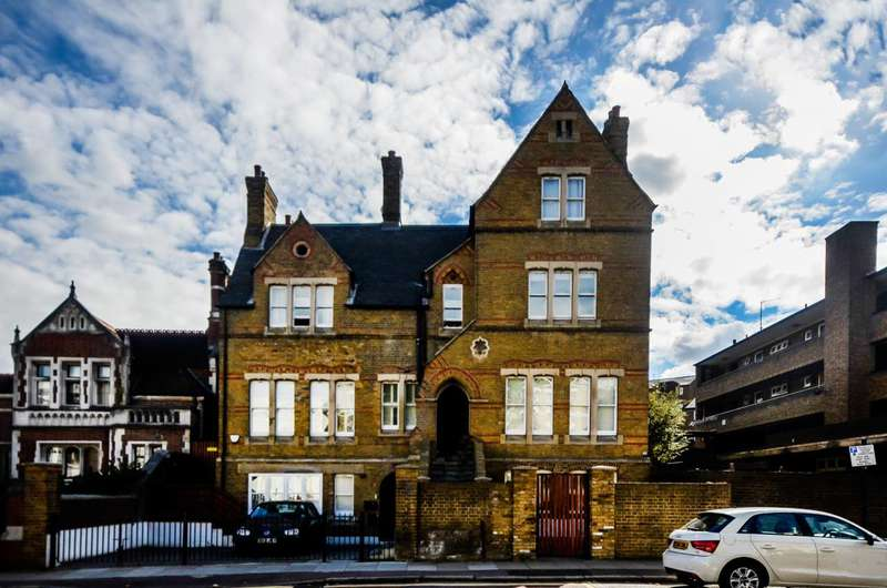 1 Bedroom Flat for sale in The Old Vicarage, Greenwich, SE10