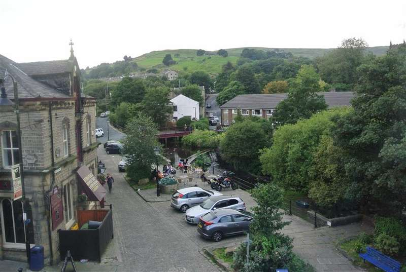 2 Bedrooms Property for sale in Peel Street, Marsden, HUDDERSFIELD, HD7