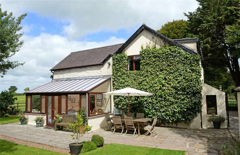 5 Bedrooms Detached House for sale in The Old Coach House, Llandawke, Laugharne, Carmarthen