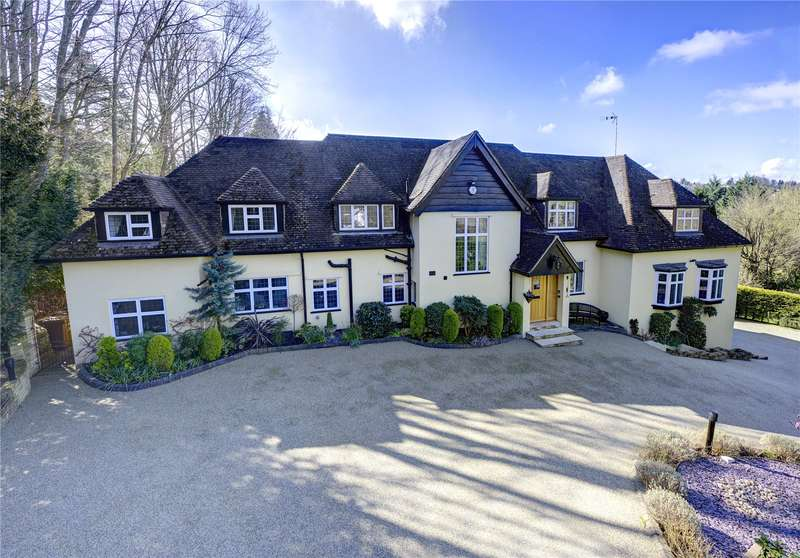 5 Bedrooms Detached House for sale in Trout Rise, Loudwater, Rickmansworth, Hertfordshire, WD3