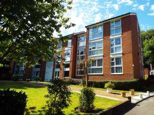 Parking Garage / Parking for sale in Richmond House, 86 Harestone Valley Road, Caterham, Surrey