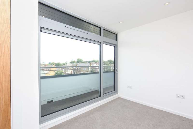 2 Bedrooms Flat for sale in Wandle Apartments, Croydon, CR2