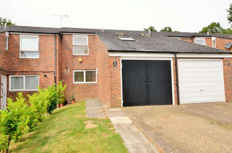 3 Bedrooms Terraced House for sale in Hunter Close, Borehamwood, Hertfordshire, WD6