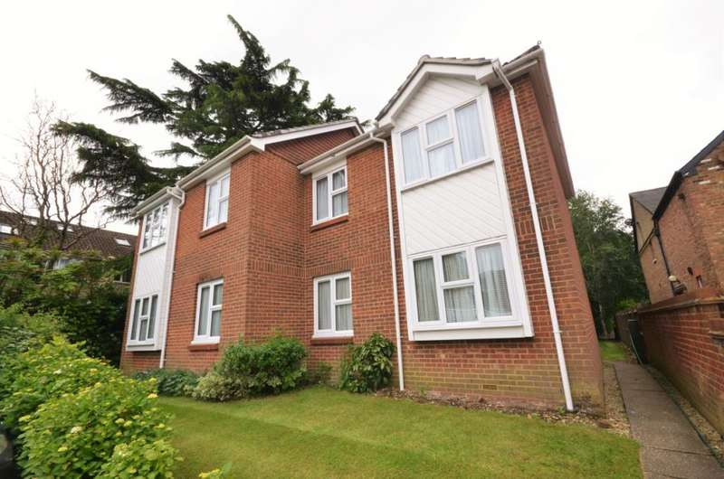 2 Bedrooms Maisonette Flat for sale in Yew Tree Court, Barnet Lane, Elstree, WD6