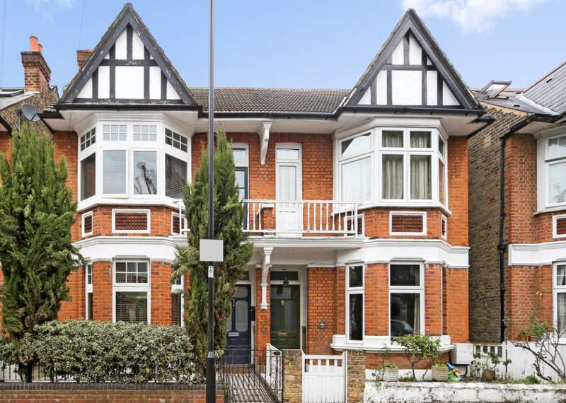 4 Bedrooms Semi Detached House for sale in Whitehall Gardens, London, W3