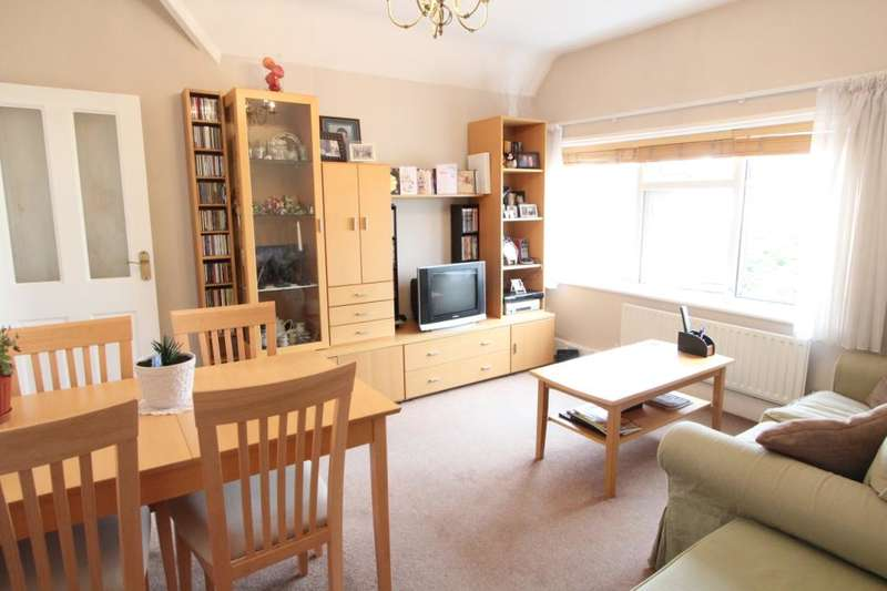 2 Bedrooms Flat for sale in Twyford Avenue, London, W3