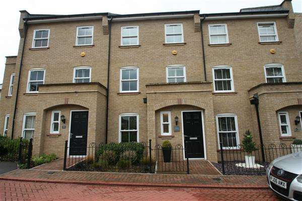 4 Bedrooms Terraced House for sale in Buckland Terrace, Sherfield Park, Hampshire